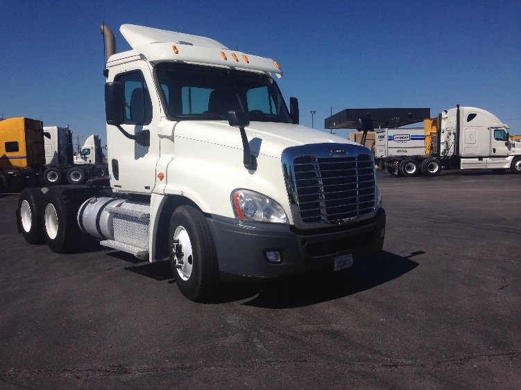 Day Cab Tractor-Heavy Duty Tractors-Freightliner-2011-Cascadia 12564ST-TULSA-OK-419,208 miles-$32,250