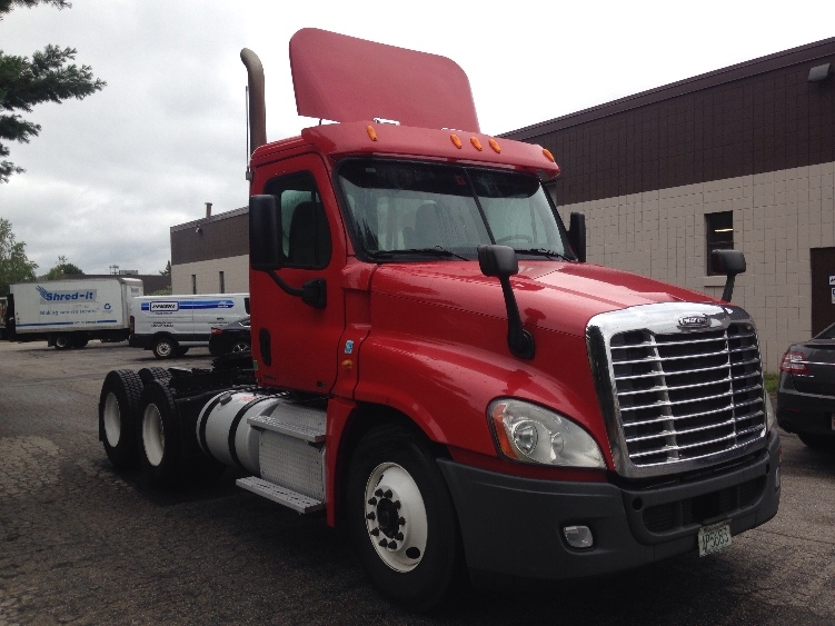 Day Cab Tractor-Heavy Duty Tractors-Freightliner-2011-Cascadia 12564ST-HUDSON-NH-611,442 miles-$31,750