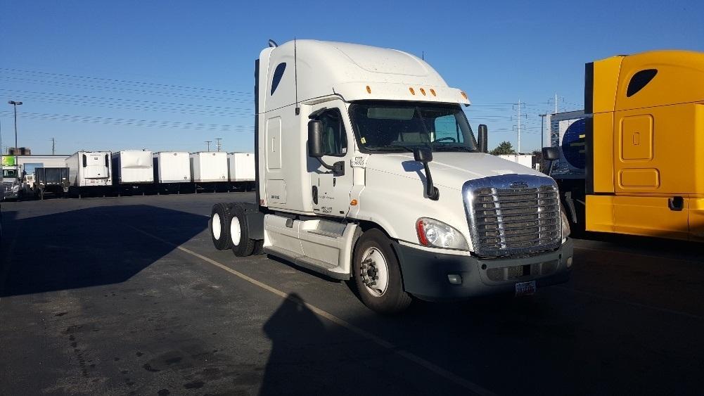 Sleeper Tractor-Heavy Duty Tractors-Freightliner-2011-Cascadia 12564ST-WEST VALLEY CITY-UT-556,690 miles-$35,000