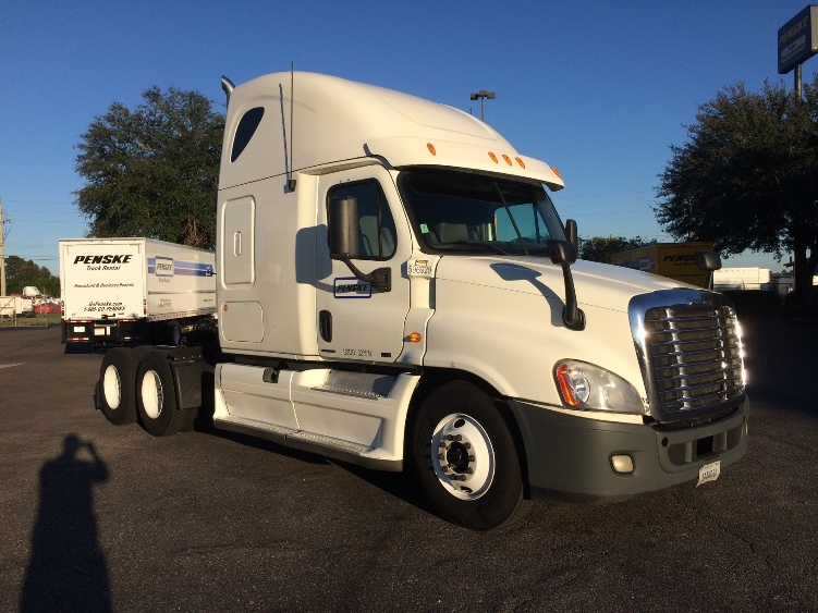 Sleeper Tractor-Heavy Duty Tractors-Freightliner-2011-Cascadia 12564ST-AUSTIN-TX-731,741 miles-$15,500