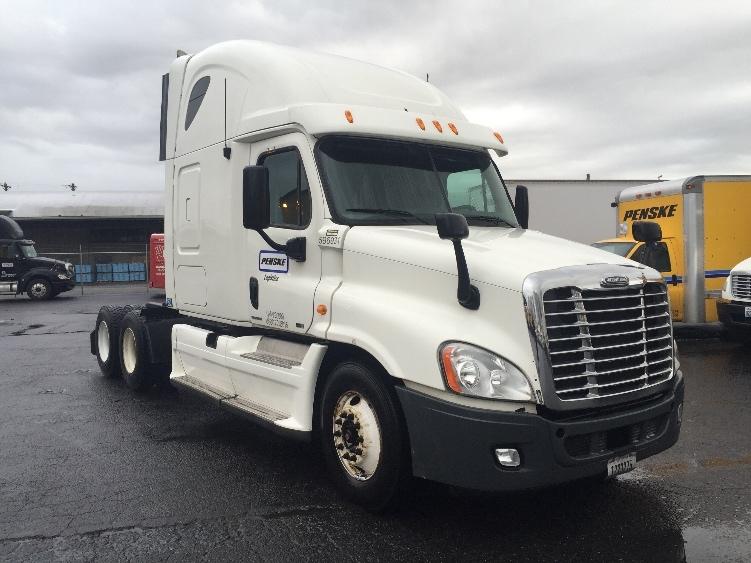 Sleeper Tractor-Heavy Duty Tractors-Freightliner-2011-Cascadia 12564ST-TACOMA-WA-507,931 miles-$31,000