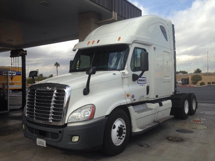 Sleeper Tractor-Heavy Duty Tractors-Freightliner-2011-Cascadia 12564ST-PHOENIX-AZ-477,476 miles-$38,000