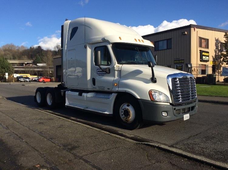 Sleeper Tractor-Heavy Duty Tractors-Freightliner-2011-Cascadia 12564ST-TACOMA-WA-637,617 miles-$27,750