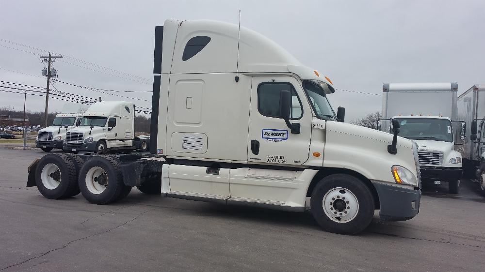 Sleeper Tractor-Heavy Duty Tractors-Freightliner-2011-Cascadia 12564ST-GARNER-NC-505,423 miles-$38,250