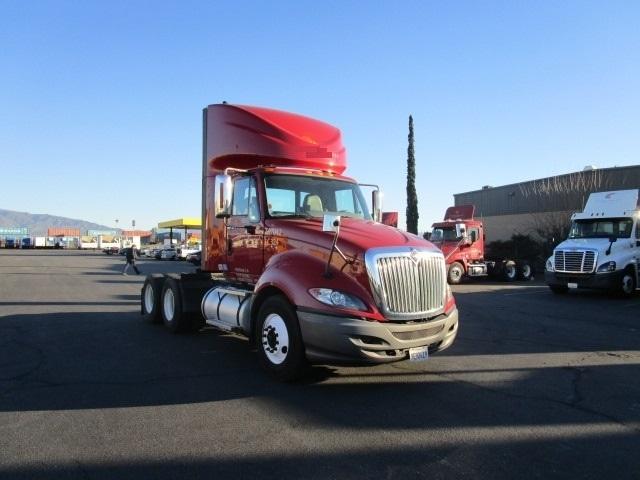 Day Cab Tractor-Heavy Duty Tractors-International-2011-ProStar-BAKERSFIELD-CA-227,379 miles-$22,500