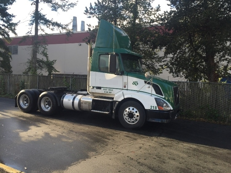 Day Cab Tractor-Heavy Duty Tractors-Volvo-2011-VNL64T300-KENT-WA-213,869 miles-$40,500