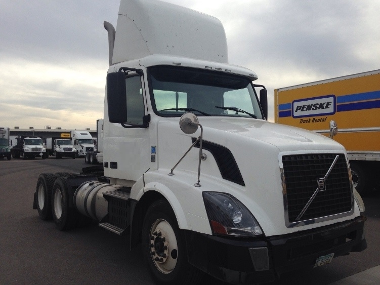Day Cab Tractor-Heavy Duty Tractors-Volvo-2011-VNL64T300-PHOENIX-AZ-271,479 miles-$37,500