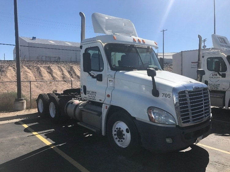 Day Cab Tractor-Heavy Duty Tractors-Freightliner-2011-Cascadia 12564ST-DENVER-CO-259,284 miles-$39,750