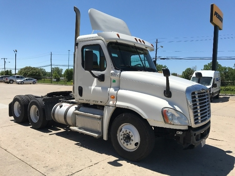 Day Cab Tractor-Heavy Duty Tractors-Freightliner-2011-Cascadia 12564ST-ERLANGER-KY-323,364 miles-$30,750