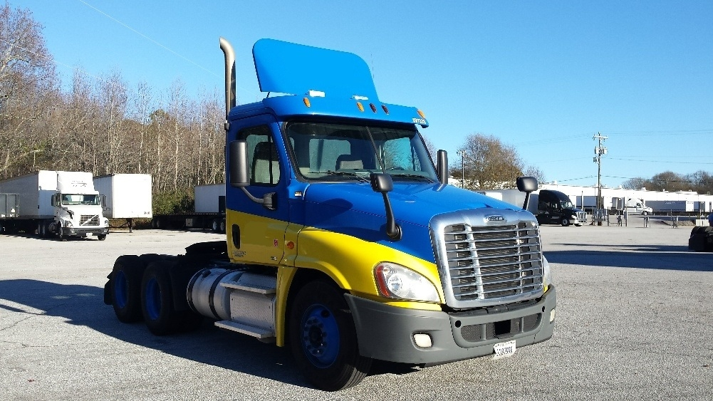Day Cab Tractor-Heavy Duty Tractors-Freightliner-2011-Cascadia 12564ST-GREER-SC-468,189 miles-$30,500