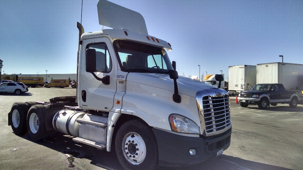 Day Cab Tractor-Heavy Duty Tractors-Freightliner-2011-Cascadia 12564ST-SCARBOROUGH-ME-416,310 miles-$38,250