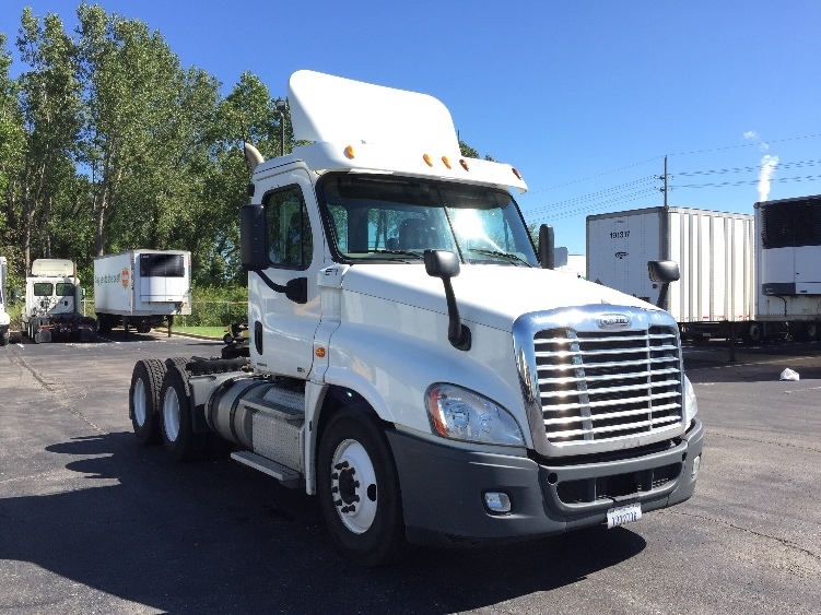 Day Cab Tractor-Heavy Duty Tractors-Freightliner-2011-Cascadia 12564ST-KANSAS CITY-MO-313,782 miles-$30,500