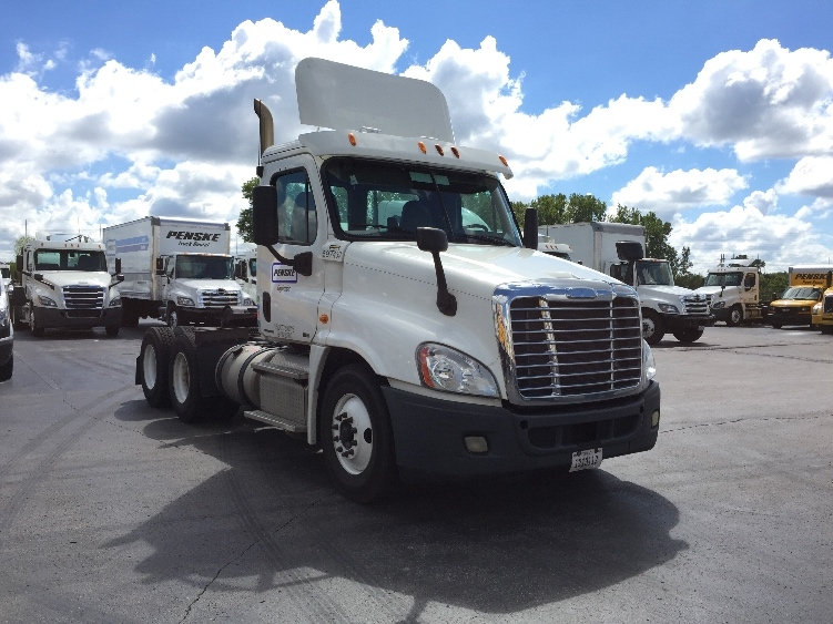 Day Cab Tractor-Heavy Duty Tractors-Freightliner-2011-Cascadia 12564ST-ELK GROVE VILLAGE-IL-341,396 miles-$34,500