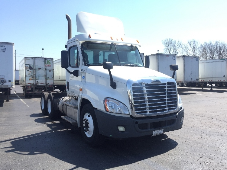 Day Cab Tractor-Heavy Duty Tractors-Freightliner-2011-Cascadia 12564ST-KANSAS CITY-MO-263,084 miles-$34,750