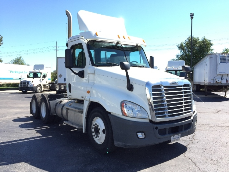 Day Cab Tractor-Heavy Duty Tractors-Freightliner-2011-Cascadia 12564ST-KANSAS CITY-MO-360,123 miles-$33,000