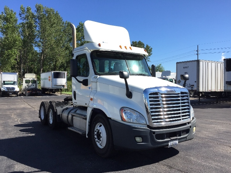 Day Cab Tractor-Heavy Duty Tractors-Freightliner-2011-Cascadia 12564ST-KANSAS CITY-MO-299,389 miles-$31,000