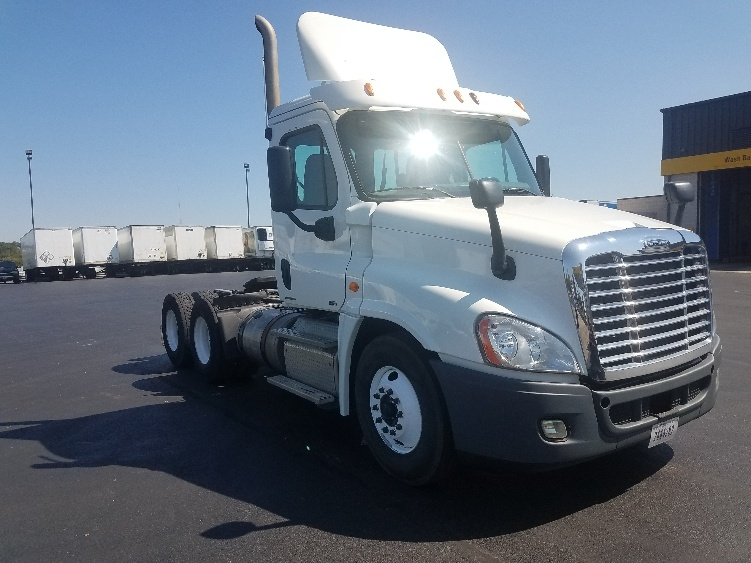Day Cab Tractor-Heavy Duty Tractors-Freightliner-2011-Cascadia 12564ST-SPRINGFIELD-MO-278,667 miles-$30,000