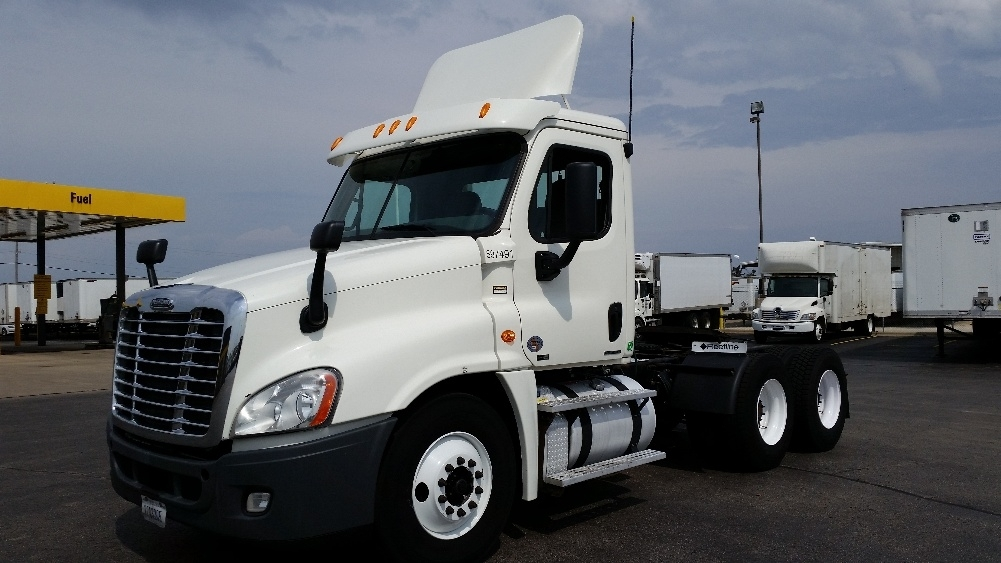 Day Cab Tractor-Heavy Duty Tractors-Freightliner-2011-Cascadia 12564ST-MILWAUKEE-WI-379,503 miles-$30,250