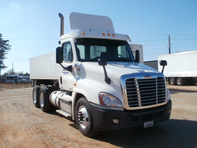 Day Cab Tractor-Heavy Duty Tractors-Freightliner-2011-Cascadia 12564ST-RICHLAND-MS-463,124 miles-$31,250