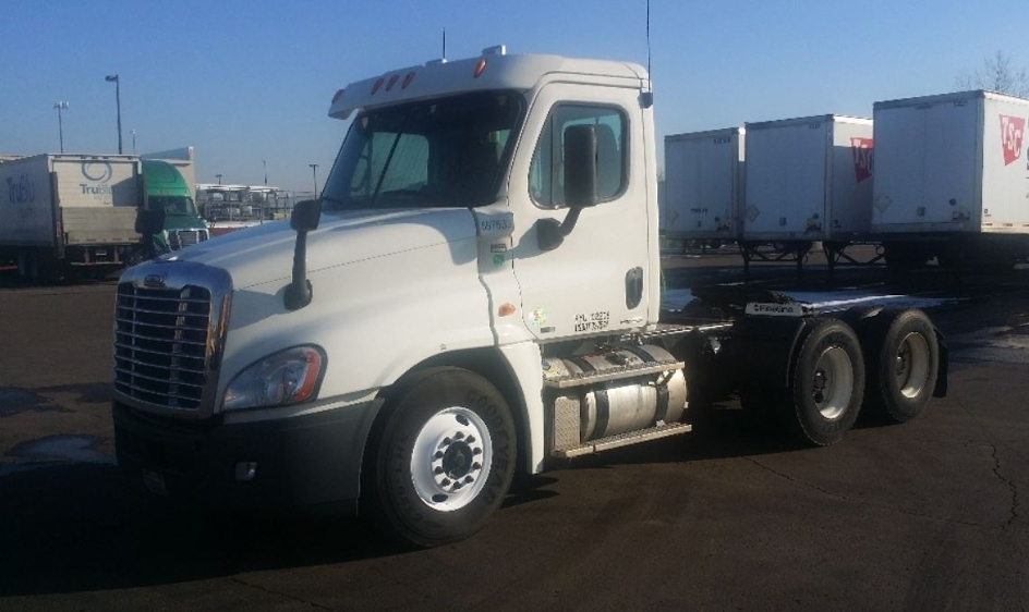 Day Cab Tractor-Heavy Duty Tractors-Freightliner-2011-Cascadia 12564ST-INDIANAPOLIS-IN-470,174 miles-$28,000