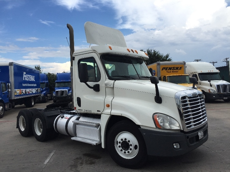 Day Cab Tractor-Heavy Duty Tractors-Freightliner-2011-Cascadia 12564ST-CARROLLTON-TX-471,438 miles-$30,500