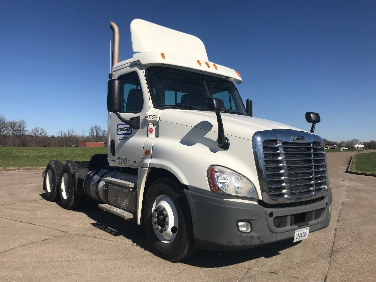 Day Cab Tractor-Heavy Duty Tractors-Freightliner-2011-Cascadia 12564ST-LOUISVILLE-KY-230,583 miles-$33,500