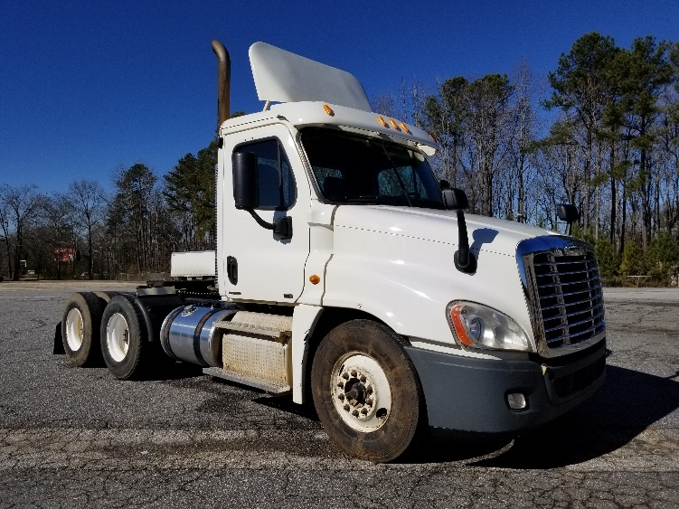 Day Cab Tractor-Heavy Duty Tractors-Freightliner-2011-Cascadia 12564ST-ANDERSON-SC-487,167 miles-$31,750