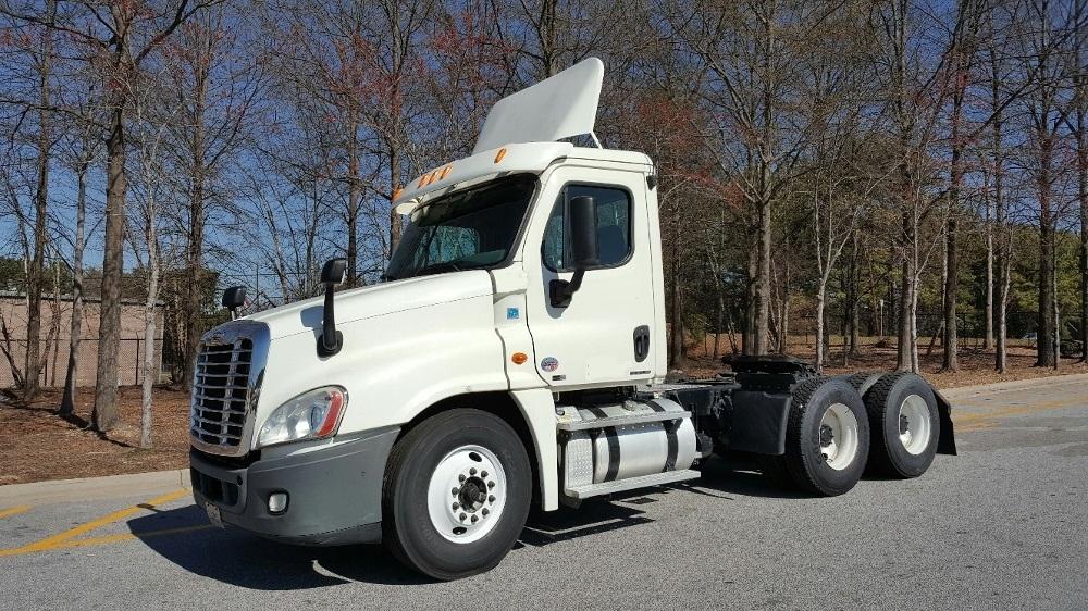 Day Cab Tractor-Heavy Duty Tractors-Freightliner-2011-Cascadia 12564ST-ATLANTA-GA-321,188 miles-$36,500