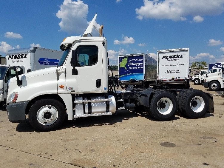 Day Cab Tractor-Heavy Duty Tractors-Freightliner-2011-Cascadia 12564ST-HOMEWOOD-AL-530,500 miles-$25,500