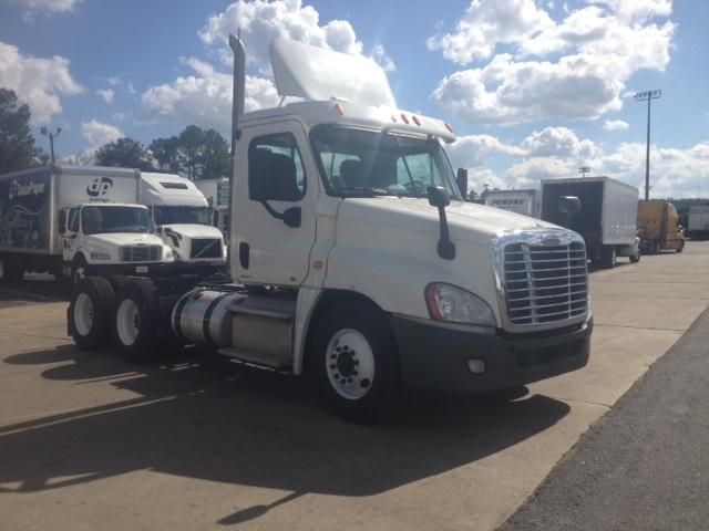 Day Cab Tractor-Heavy Duty Tractors-Freightliner-2011-Cascadia 12564ST-BIRMINGHAM-AL-495,025 miles-$32,750