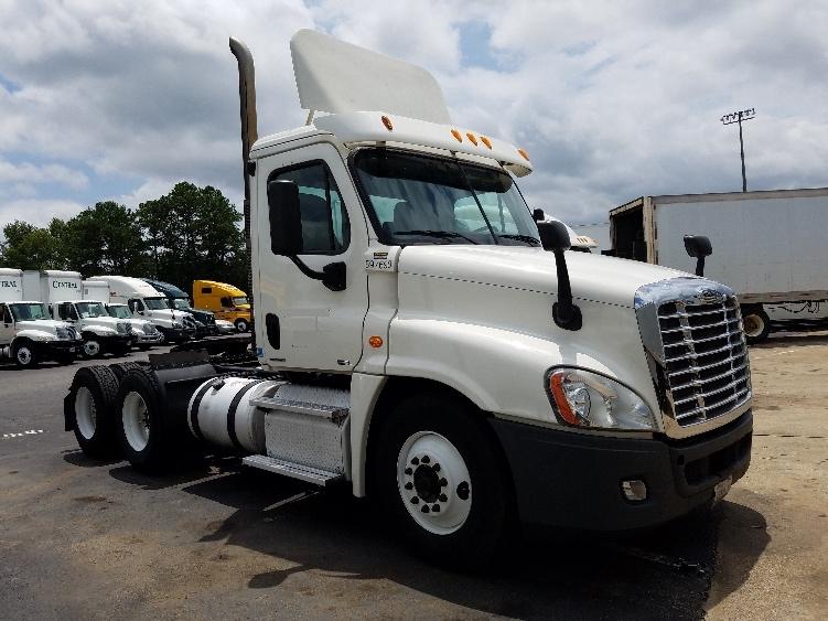 Day Cab Tractor-Heavy Duty Tractors-Freightliner-2011-Cascadia 12564ST-BIRMINGHAM-AL-495,379 miles-$35,750