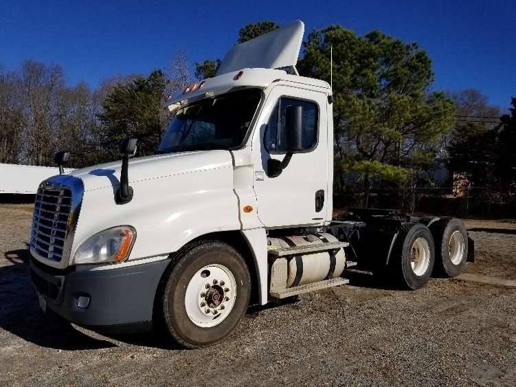 Day Cab Tractor-Heavy Duty Tractors-Freightliner-2011-Cascadia 12564ST-ANDERSON-SC-500,053 miles-$31,500