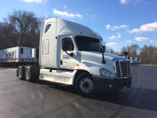 Sleeper Tractor-Heavy Duty Tractors-Freightliner-2011-Cascadia 12564ST-BALTIMORE-MD-577,990 miles-$43,500