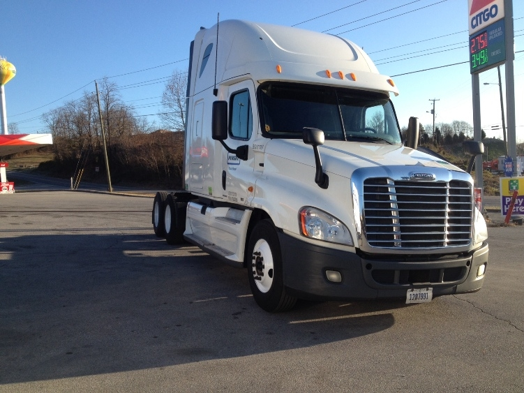 Sleeper Tractor-Heavy Duty Tractors-Freightliner-2011-Cascadia 12564ST-KNOXVILLE-TN-665,044 miles-$26,250