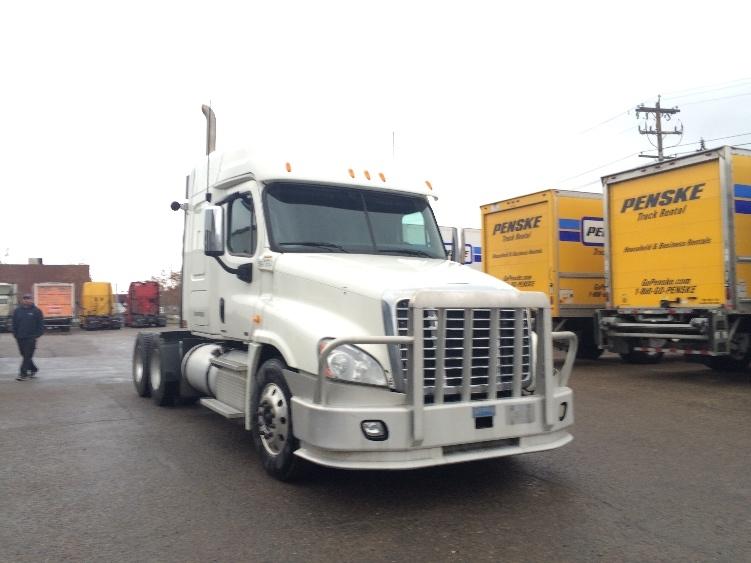 Sleeper Tractor-Heavy Duty Tractors-Freightliner-2011-Cascadia 12564ST-CALGARY-AB-701,384 km-$34,000