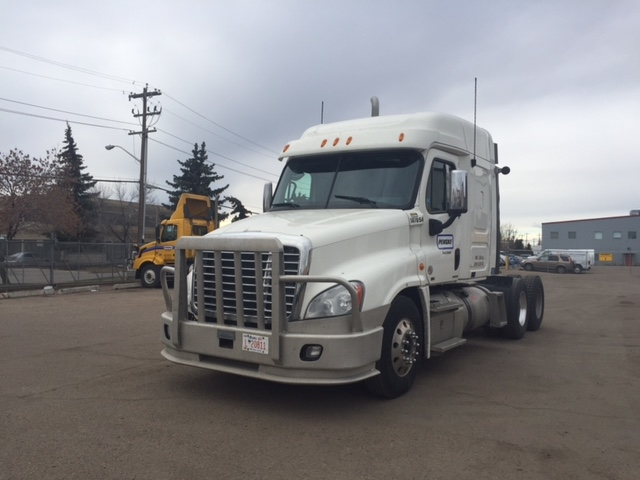 Sleeper Tractor-Heavy Duty Tractors-Freightliner-2011-Cascadia 12564ST-CALGARY-AB-843,629 km-$18,000