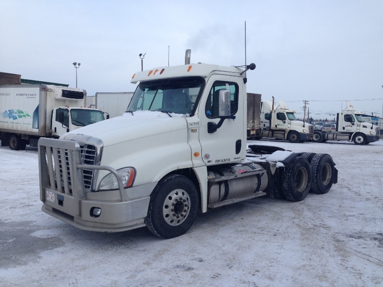 Day Cab Tractor-Heavy Duty Tractors-Freightliner-2011-Cascadia 12564ST-CALGARY-AB-648,232 km-$44,000