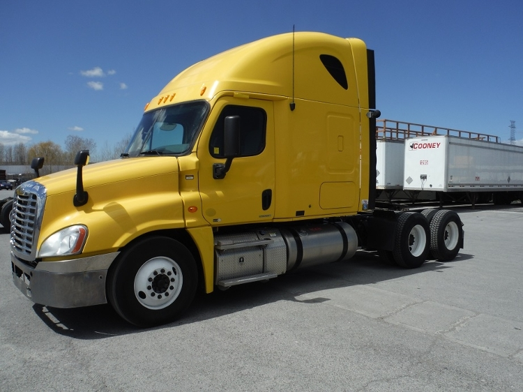 Sleeper Tractor-Heavy Duty Tractors-Freightliner-2011-Cascadia 12564ST-MISSISSAUGA-ON-921,351 km-$35,000