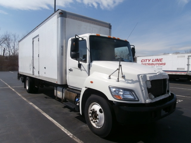 Medium Duty Box Truck-Light and Medium Duty Trucks-Hino-2011-338-WEST HAVEN-CT-194,690 miles-$13,000