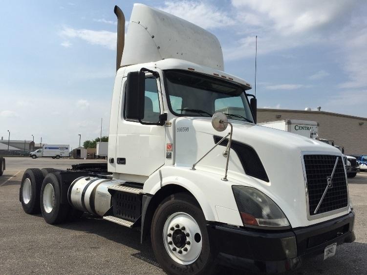 Day Cab Tractor-Heavy Duty Tractors-Volvo-2011-VNL64T300-MONTGOMERY-AL-409,276 miles-$34,500