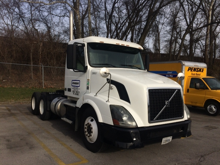 Day Cab Tractor-Heavy Duty Tractors-Volvo-2011-VNL64T300-GREENVILLE-SC-310,337 miles-$42,500