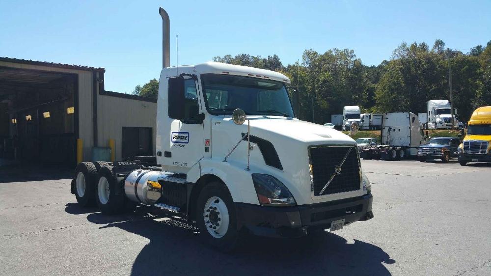 Day Cab Tractor-Heavy Duty Tractors-Volvo-2011-VNL64T300-ATLANTA-GA-341,677 miles-$40,500
