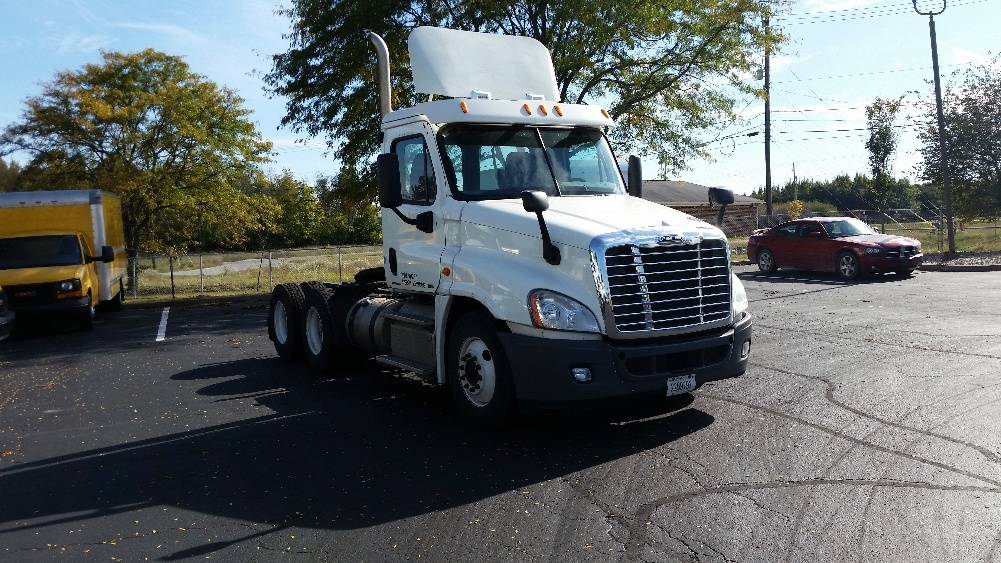 Day Cab Tractor-Heavy Duty Tractors-Freightliner-2011-Cascadia 12564ST-LEXINGTON-KY-367,982 miles-$42,750