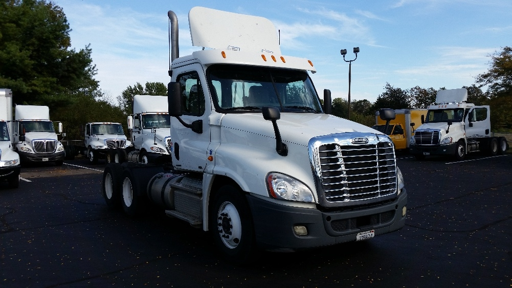 Day Cab Tractor-Heavy Duty Tractors-Freightliner-2011-Cascadia 12564ST-LEXINGTON-KY-290,850 miles-$45,250