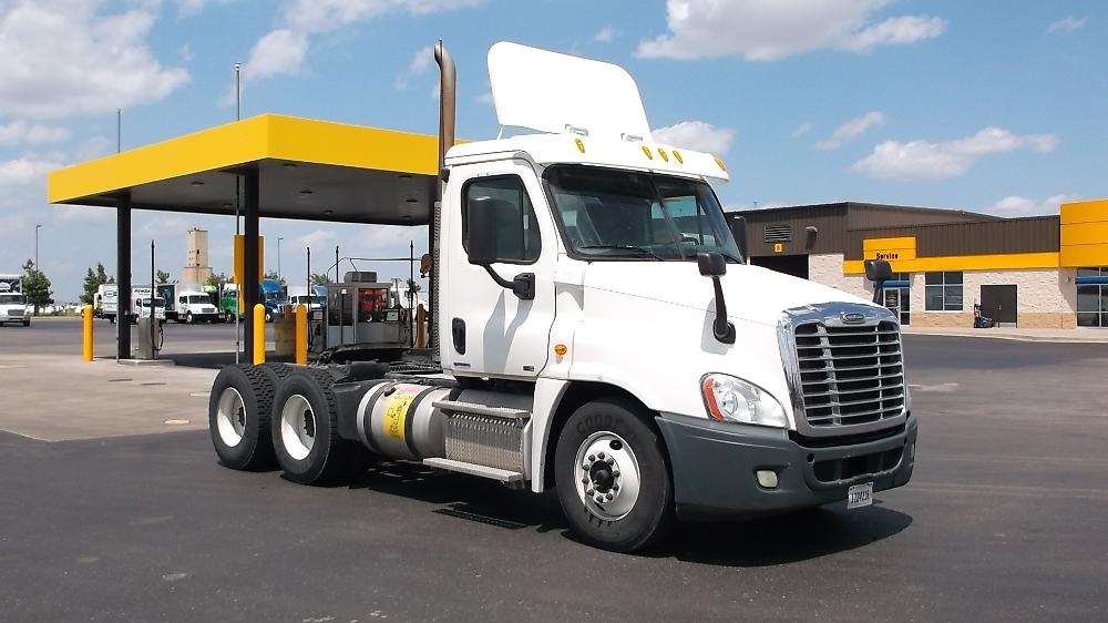 Day Cab Tractor-Heavy Duty Tractors-Freightliner-2011-Cascadia 12564ST-OKLAHOMA CITY-OK-458,130 miles-$31,750