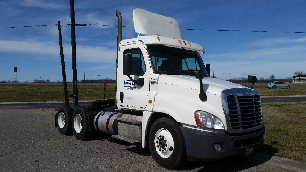 Day Cab Tractor-Heavy Duty Tractors-Freightliner-2011-Cascadia 12564ST-HOUSTON-TX-399,675 miles-$30,500
