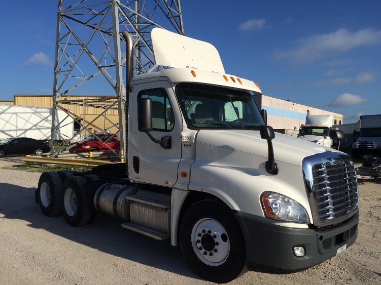 Day Cab Tractor-Heavy Duty Tractors-Freightliner-2011-Cascadia 12564ST-HOUSTON-TX-358,150 miles-$30,250