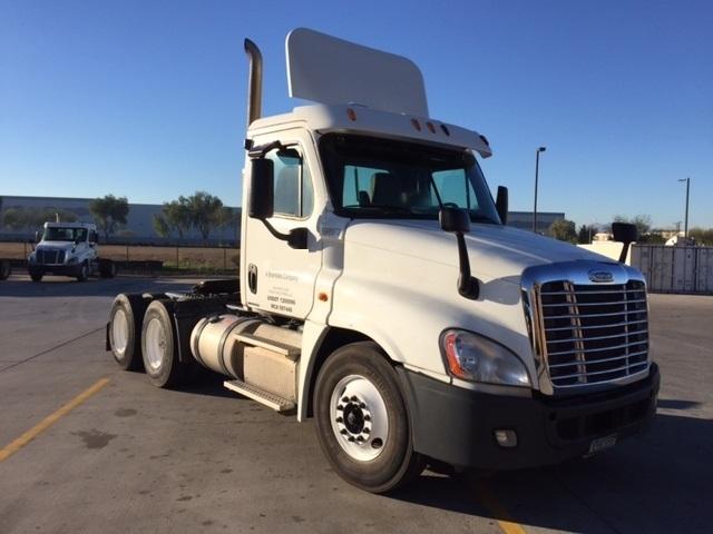 Day Cab Tractor-Heavy Duty Tractors-Freightliner-2011-Cascadia 12564ST-PHOENIX-AZ-308,032 miles-$33,750