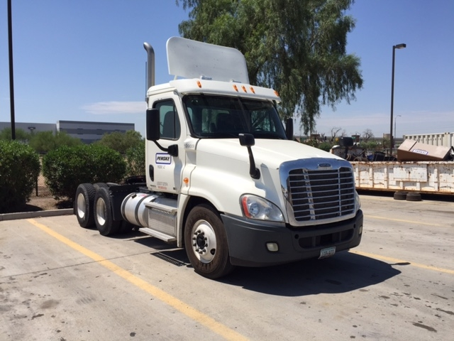 Day Cab Tractor-Heavy Duty Tractors-Freightliner-2011-Cascadia 12564ST-PHOENIX-AZ-203,085 miles-$48,500
