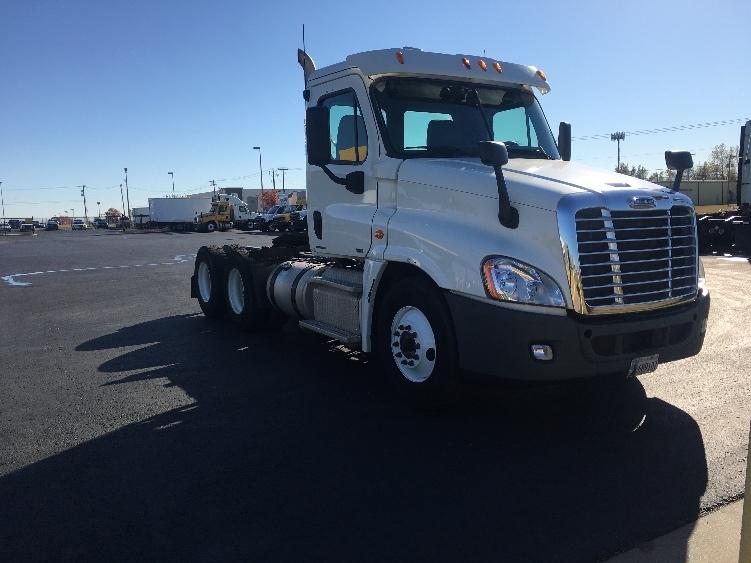 Day Cab Tractor-Heavy Duty Tractors-Freightliner-2011-Cascadia 12564ST-OKLAHOMA CITY-OK-429,021 miles-$32,000
